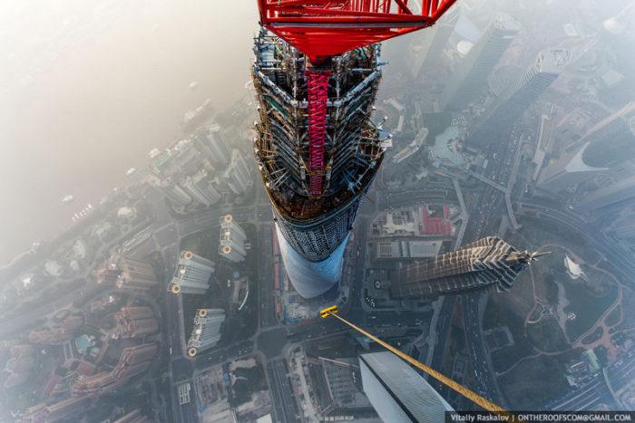 coppia-scalata-grattacielo-shanghai-tower-vitality-raskalov-05