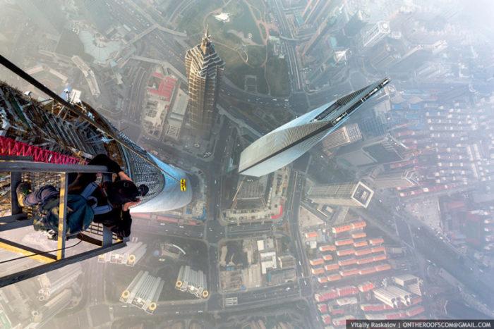 coppia-scalata-grattacielo-shanghai-tower-vitality-raskalov-06