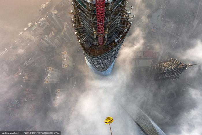 coppia-scalata-grattacielo-shanghai-tower-vitality-raskalov-07