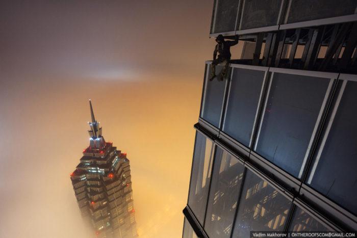 coppia-scalata-grattacielo-shanghai-tower-vitality-raskalov-08