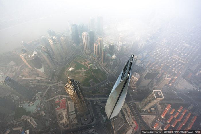 coppia-scalata-grattacielo-shanghai-tower-vitality-raskalov-11