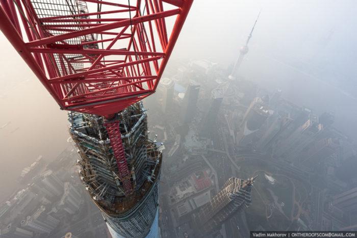 coppia-scalata-grattacielo-shanghai-tower-vitality-raskalov-13