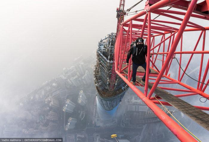 coppia-scalata-grattacielo-shanghai-tower-vitality-raskalov-14