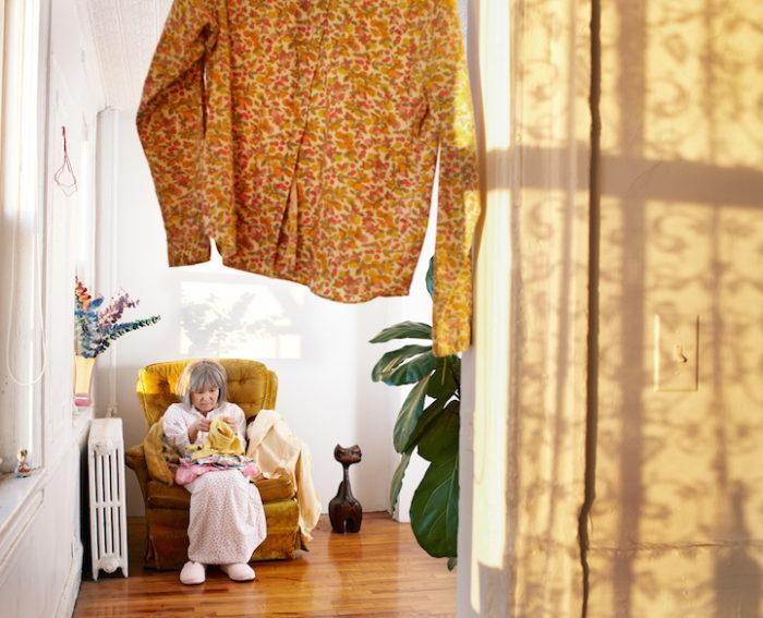 fotografa-travestita-da-signora-anziana-new-york-05