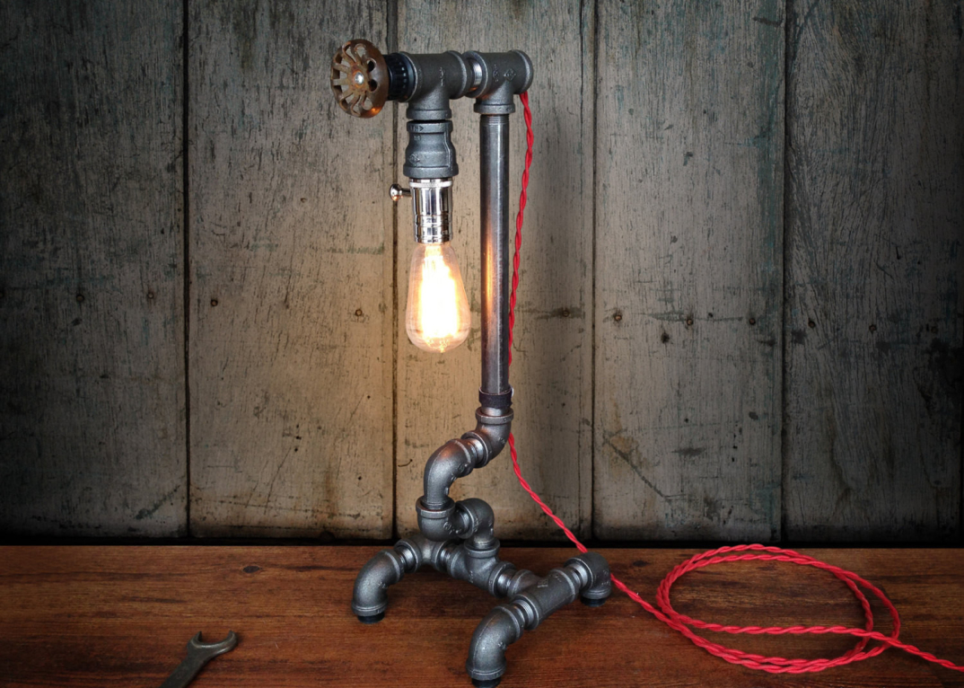 lampade-applique-stile-industrial-bottiglie-vetro-tubi-metallo-06 - KEBLOG