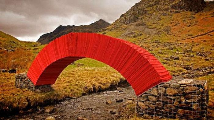 ponte-di-carta-rossa-torrente-gran-bretagna-1