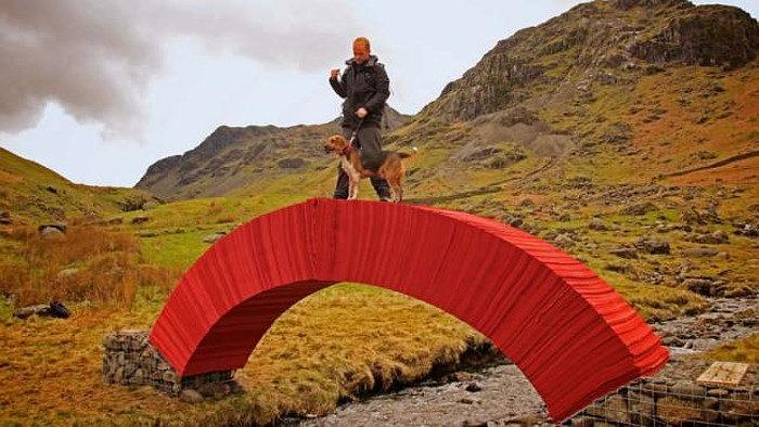 ponte-di-carta-rossa-torrente-gran-bretagna-2