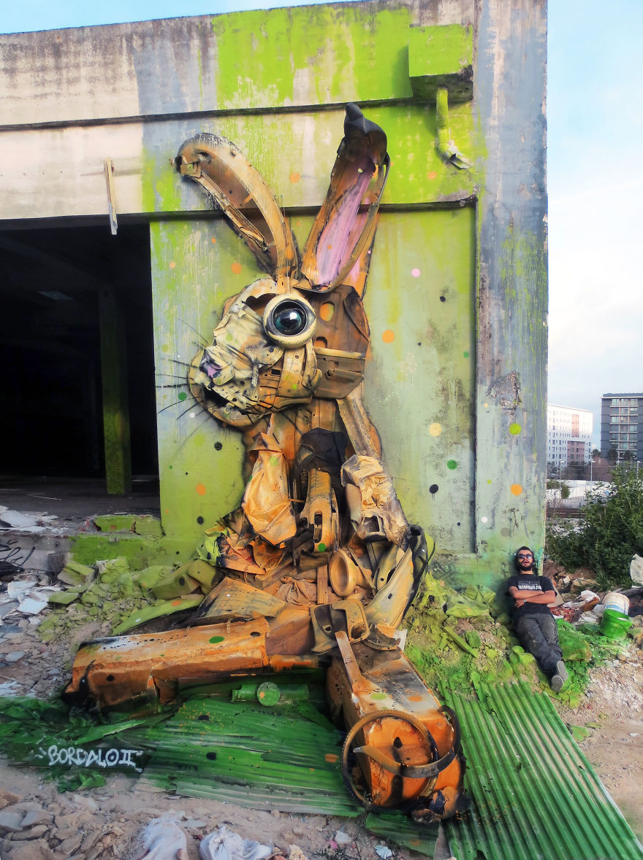 sculture-street-art-rifiuti-rottami-animali-artur-bordalo-01