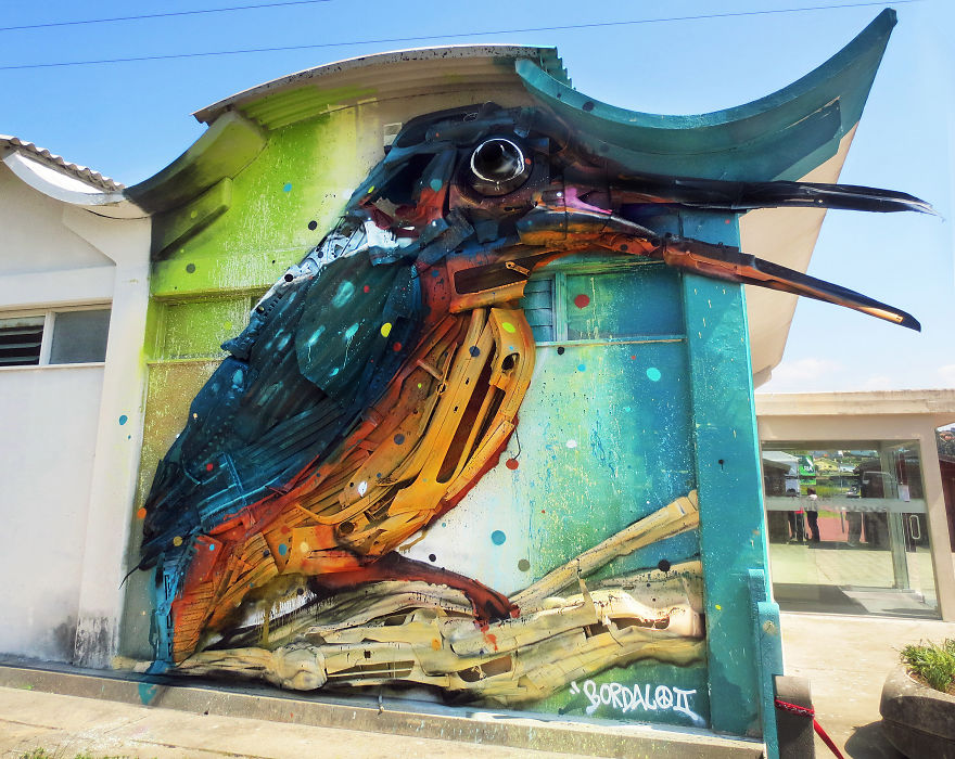 sculture-street-art-rifiuti-rottami-animali-artur-bordalo-05