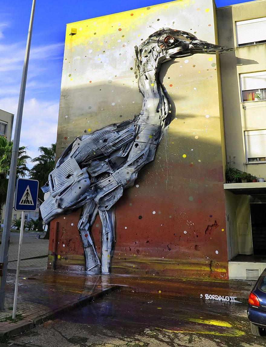 sculture-street-art-rifiuti-rottami-animali-artur-bordalo-07