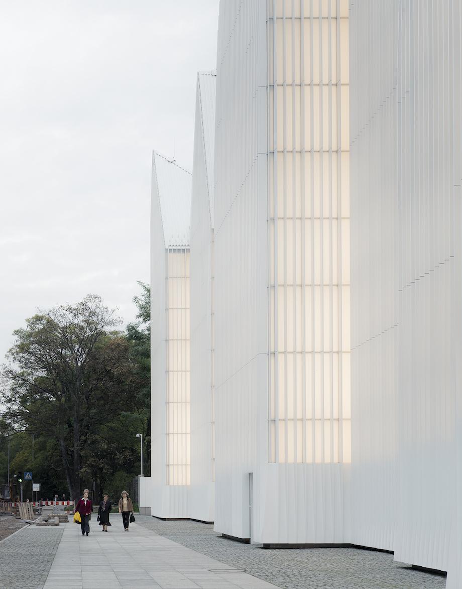 Szczecin-Stettino-auditorium-filarmonica-sede-iceberg-architettura-polonia-3