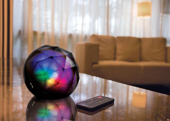 Elegante lampada altoparlante che riproduce lalba per svegliarti