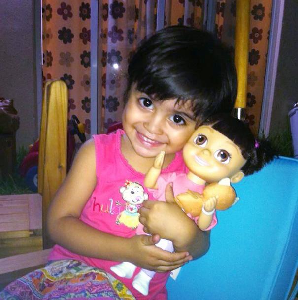 bambini-bambole-uguali-04
