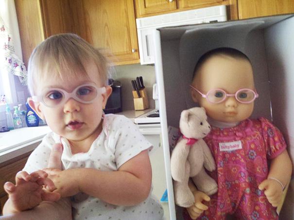 bambini-bambole-uguali-16