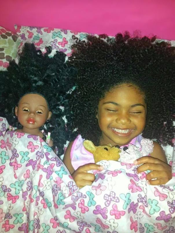 bambini-bambole-uguali-17