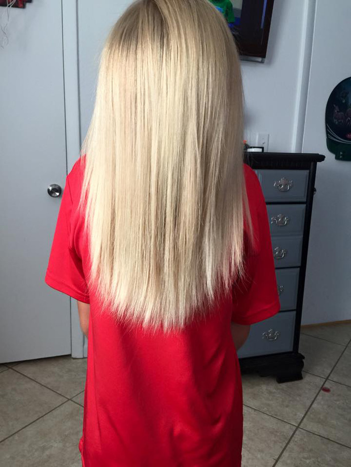 bambino-capelli-lunghi-dona-bambini-cancro-parrucche-6