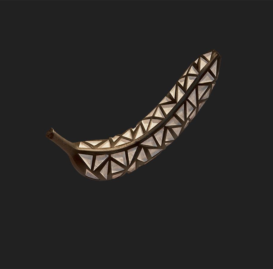 banane-dipinte-incise-sculture-dan-cretu-3