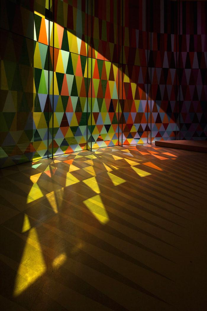 cappella-matrimoni-shanghai-pareti-vetri-colorati-09