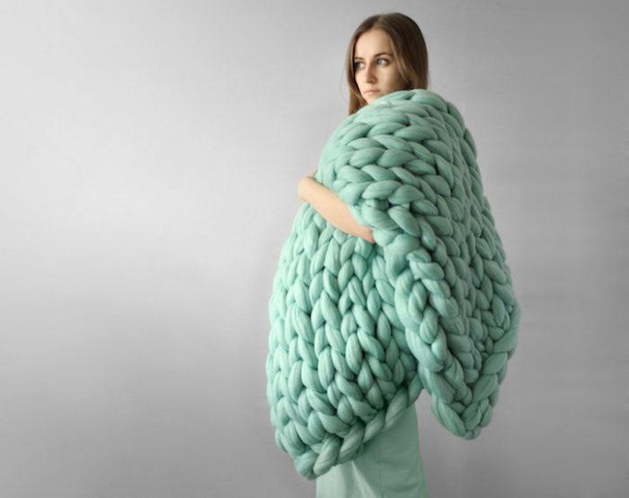 coperta-maglia-grossa-gigante-ferri-punti-enormi-ohhio-05