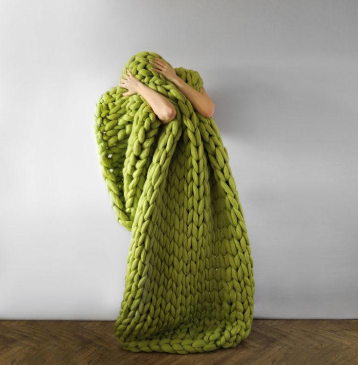 coperta-maglia-grossa-gigante-ferri-punti-enormi-ohhio-07