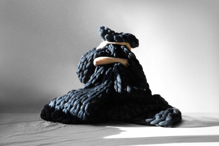 coperta-maglia-grossa-gigante-ferri-punti-enormi-ohhio-08