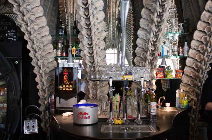 design-interni-locali-bar-ristoranti-creativi-sensazionali-47