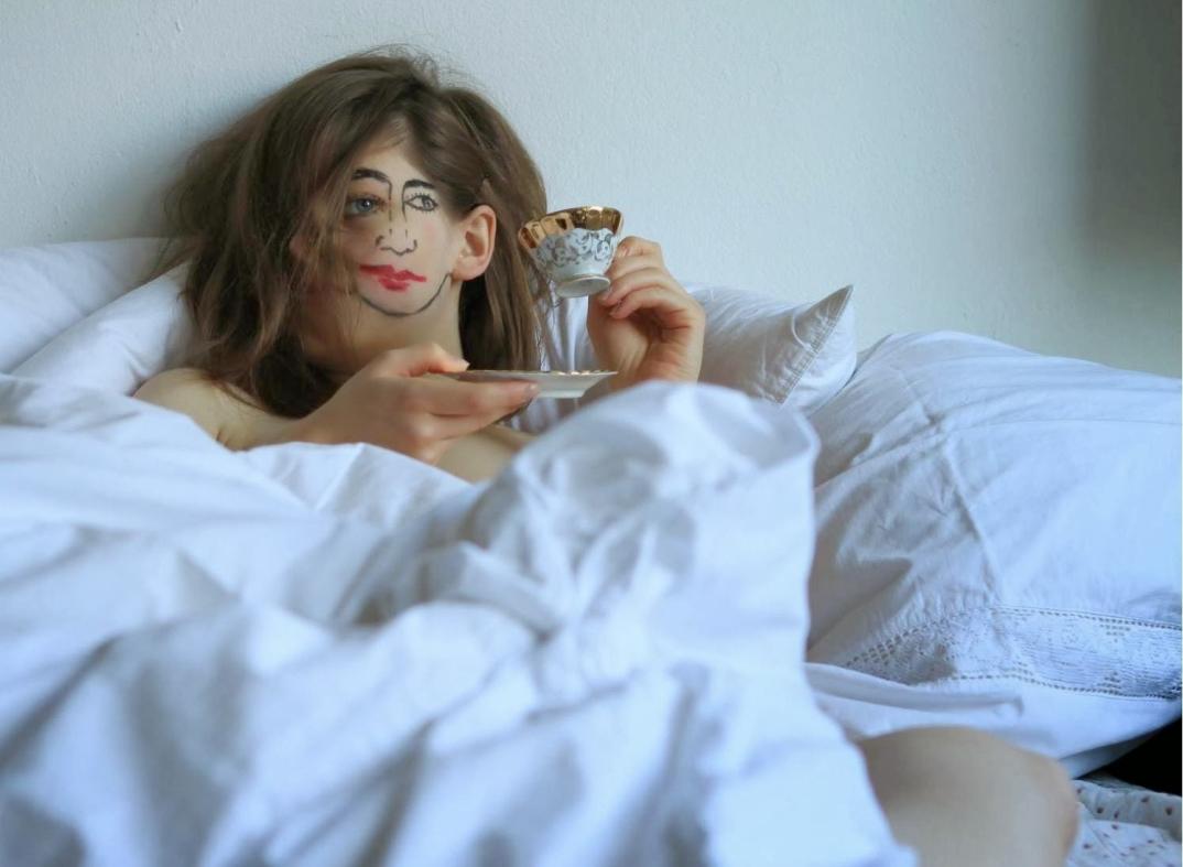 fotografia-arte-ritratti-ragazza-doppio-volto-doubleface-sebastian-Bieniek-02
