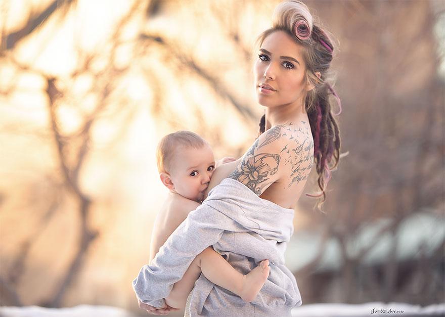 maternità-allattamento-al-seno-in-pubblico-fotografia-ivette-ivens-01
