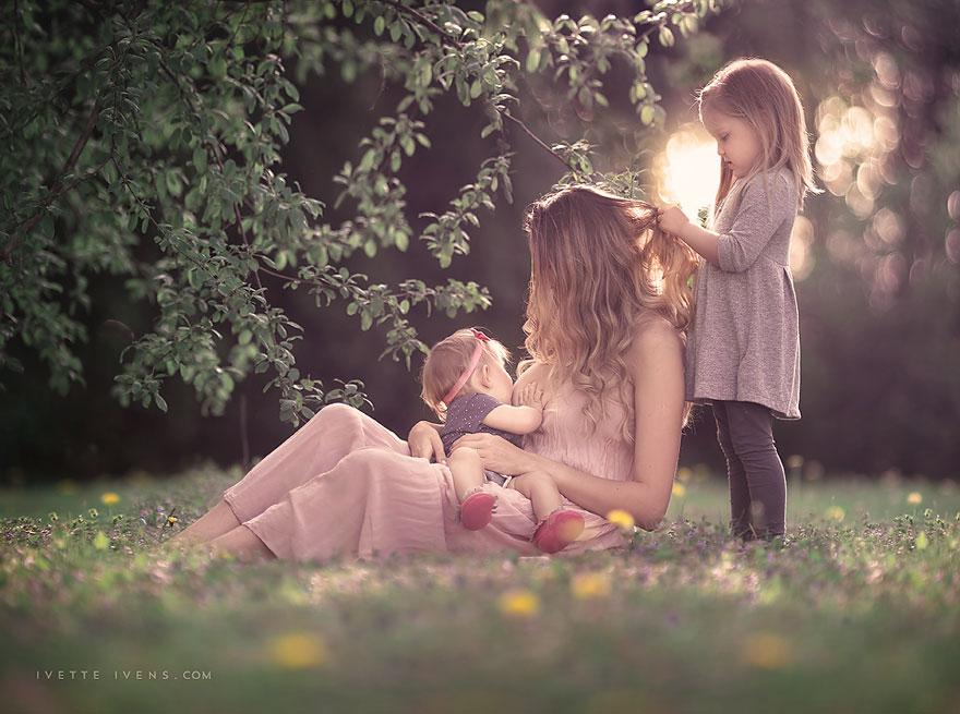 maternità-allattamento-al-seno-in-pubblico-fotografia-ivette-ivens-16