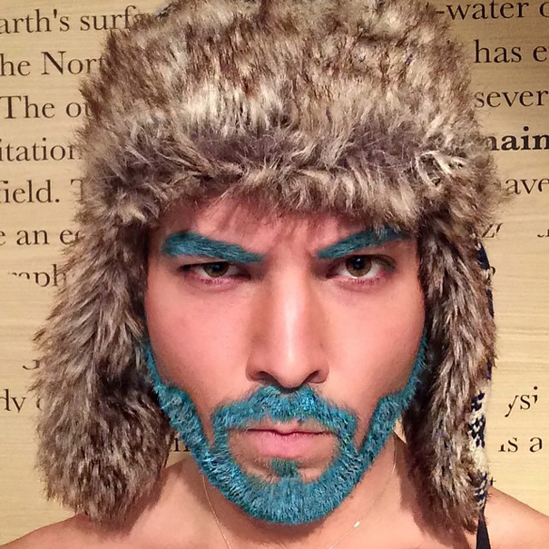 moda-uomini-tritone-barba-capelli-tinti-colori-vivaci-07