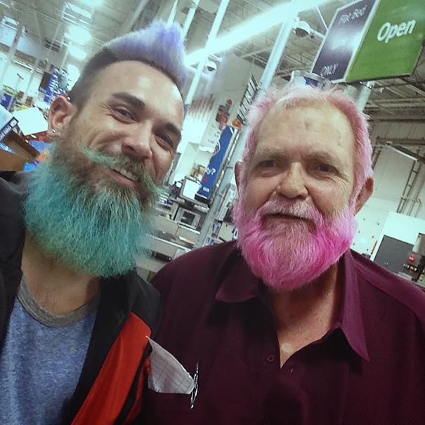 moda-uomini-tritone-barba-capelli-tinti-colori-vivaci-20