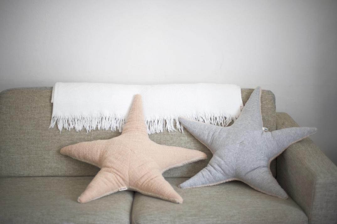 gli adorabili cuscini-peluche di animali marini di dana muskat