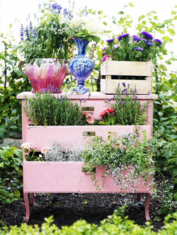 riciclare-mobili-vecchi-giardino-piante-idee-05