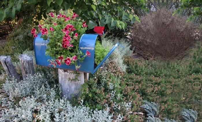 27 modi per riciclare i vostri mobili vecchi in un giardino incantato ...