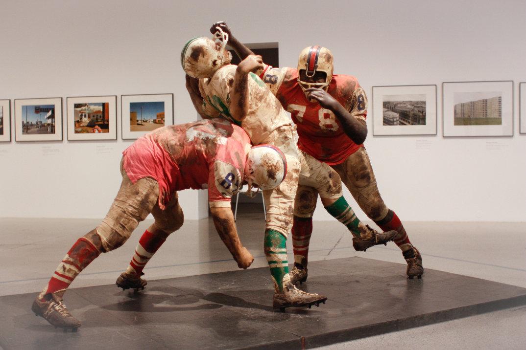 sculture-iper-realistiche-grandezza-naturale-persone-duane-hanson-01