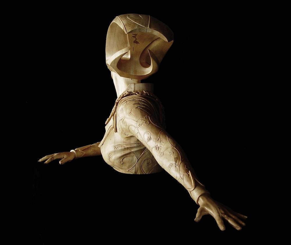 sculture-legno-figurative-realistiche-nuotatore-stefanie-rocknak-5