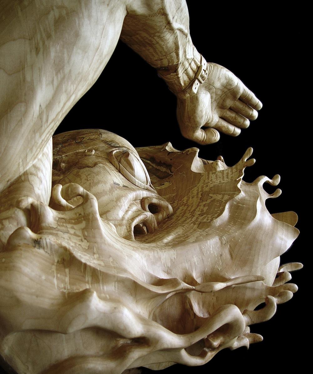 sculture-legno-figurative-realistiche-nuotatore-stefanie-rocknak-6