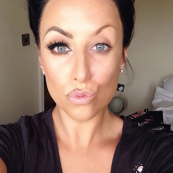 selfie-donne-metà-viso-makeup-video-trucco-16