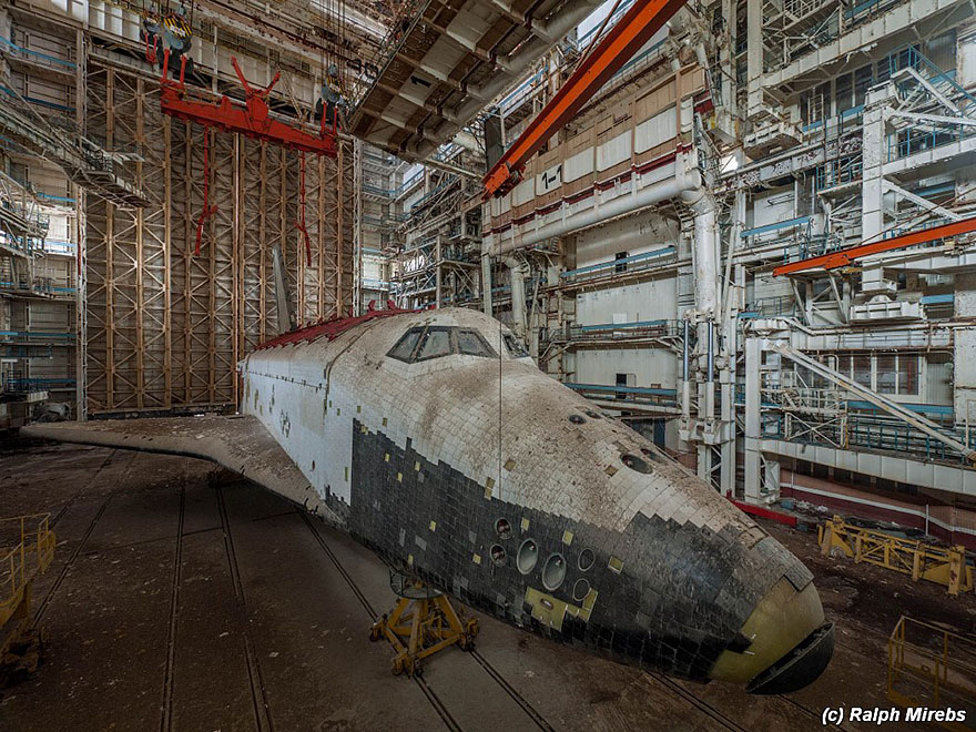 space-shuttle-sovietico-hangar-abbandonato-buran-cosmodomo-baikonur-02