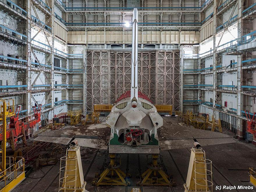 space-shuttle-sovietico-hangar-abbandonato-buran-cosmodomo-baikonur-13