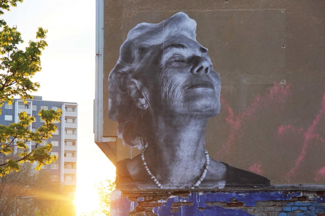 street-art-wrinkles-of-the-city-havana-los-angeles-shanghai-istanbul-jr-05