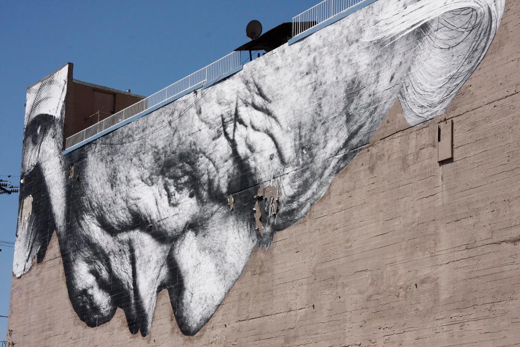 street-art-wrinkles-of-the-city-havana-los-angeles-shanghai-istanbul-jr-07