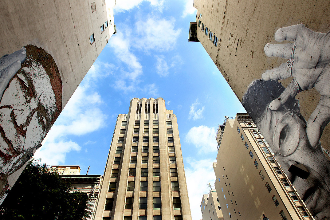 street-art-wrinkles-of-the-city-havana-los-angeles-shanghai-istanbul-jr-08