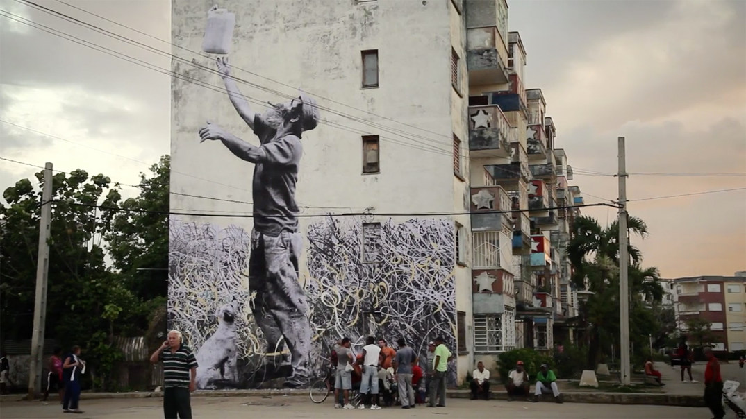 street-art-wrinkles-of-the-city-havana-los-angeles-shanghai-istanbul-jr-10
