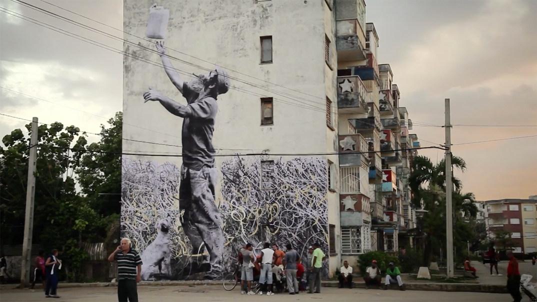 street-art-wrinkles-of-the-city-havana-los-angeles-shanghai-istanbul-jr-10