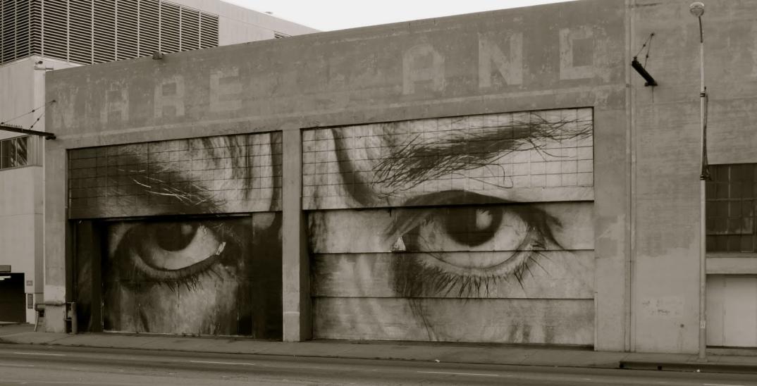 street-art-wrinkles-of-the-city-havana-los-angeles-shanghai-istanbul-jr-16