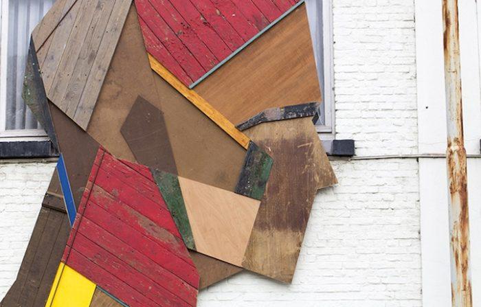 street-artist-utilizza-porte-legno-riciclato-murales-giganti-stefaan-de-crook-strook-7