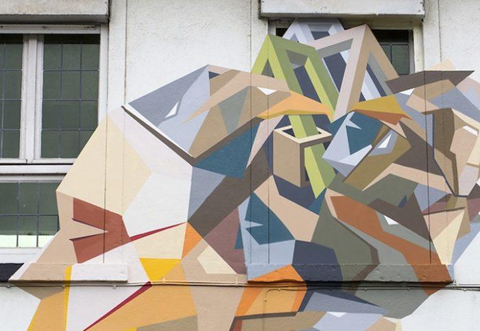 street-artist-utilizza-porte-legno-riciclato-murales-giganti-stefaan-de-crook-strook-8