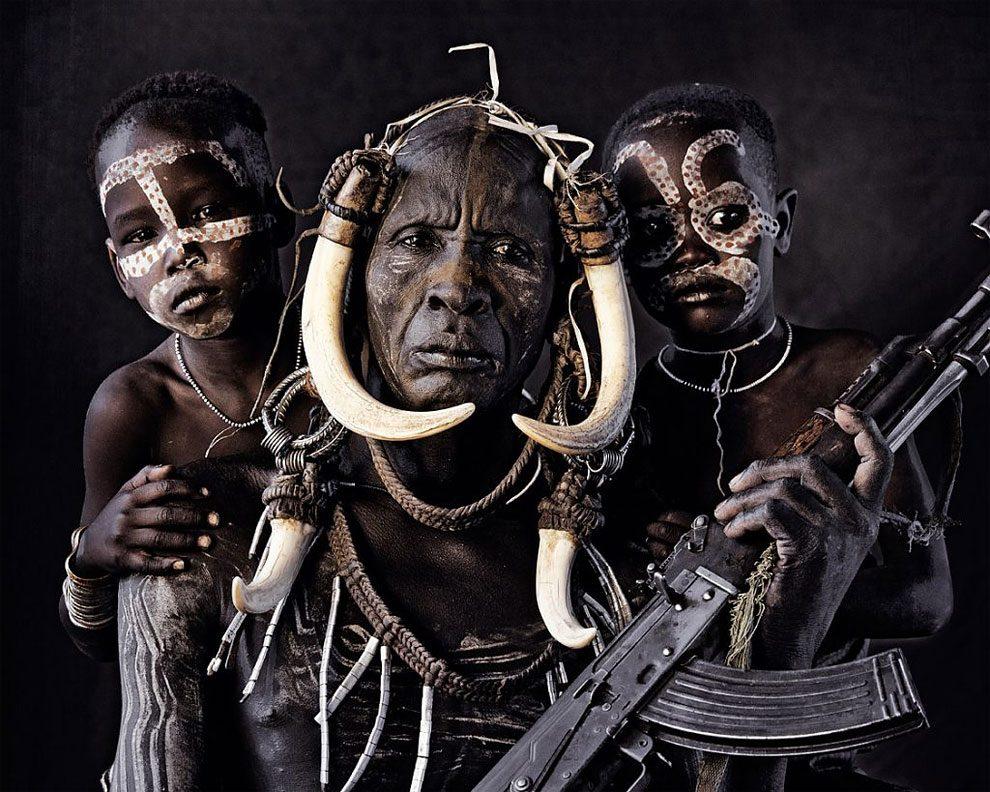 tribu-indigeni-mondo-fotografia-before-they-pass-away-jimmy-nelson-01