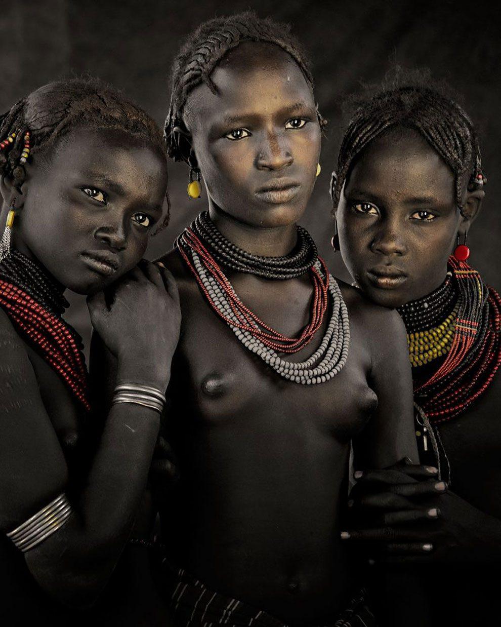 tribu-indigeni-mondo-fotografia-before-they-pass-away-jimmy-nelson-09